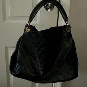 Louis Vuitton Artsy MM  black purse